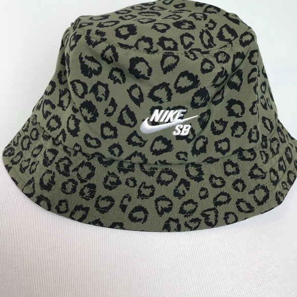 ca4287e6 Nike SB Cheetah Bucket Hat Mens M/L. M_5b12f2f912cd4aa818547d84. Other  Accessories ...
